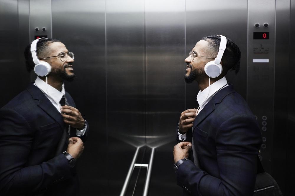 lustro w windzie